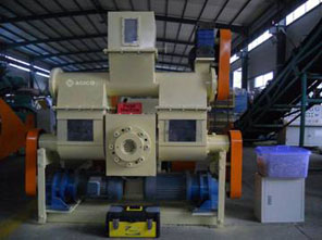 Mechanical stamping biomass briquette press